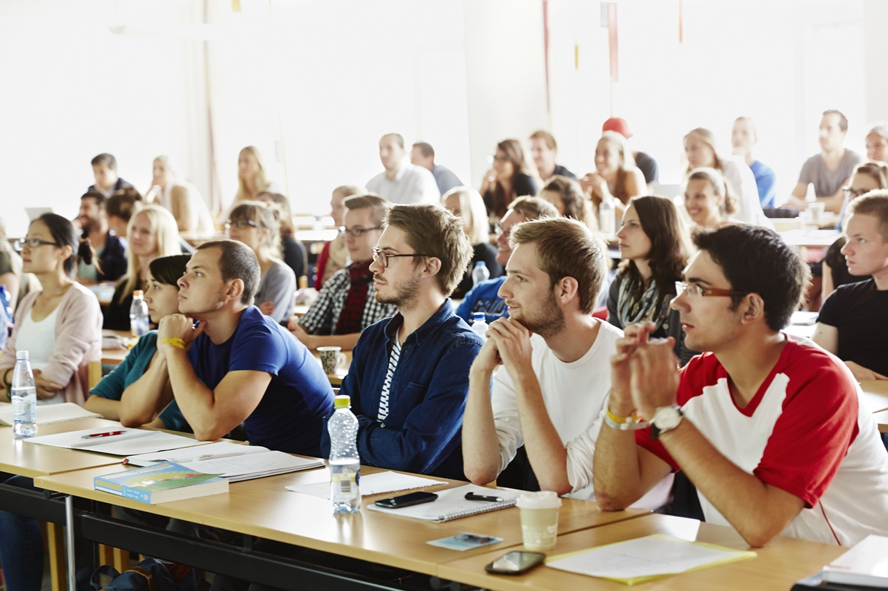 Du học Thụy Điển ngành Y tế và Phúc tợi tại Đại học Jonkoping